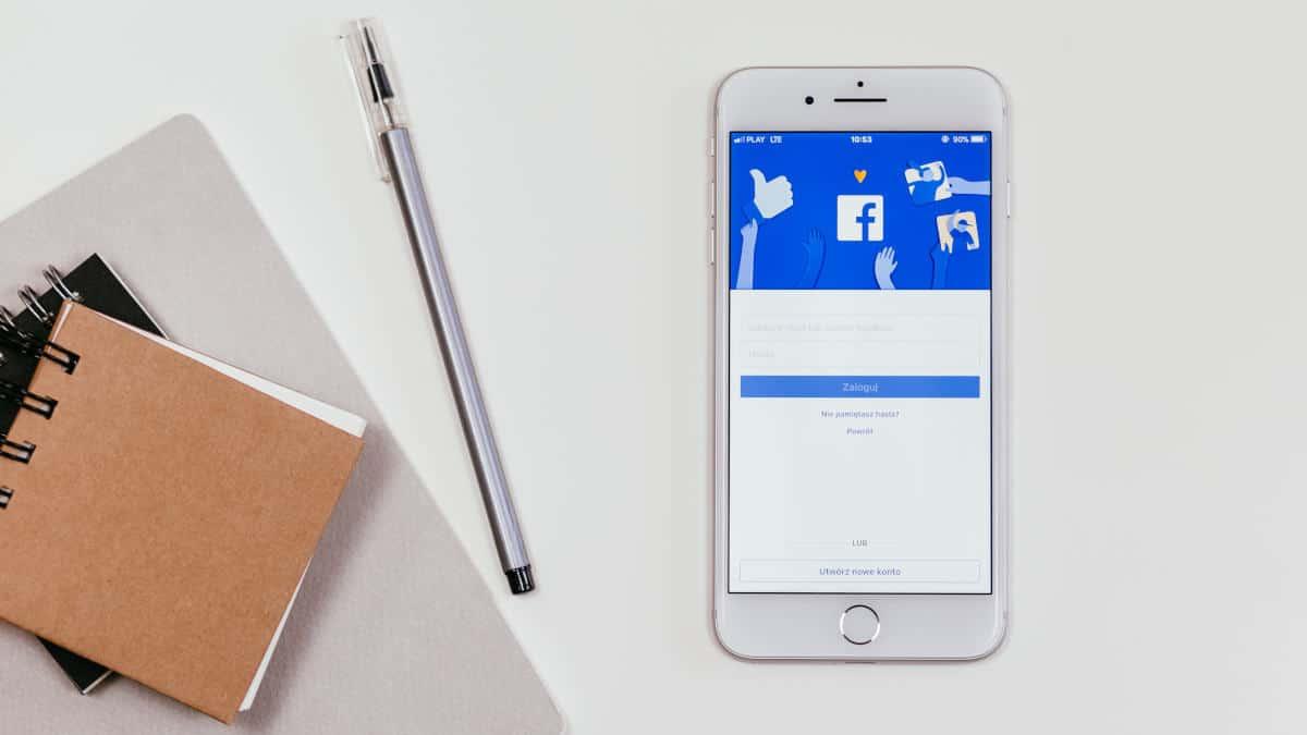 come non vedere i post di una persona su Facebook