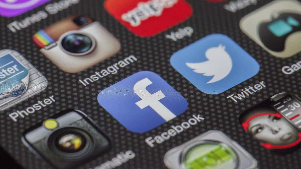 come seguire gli amici di Facebook