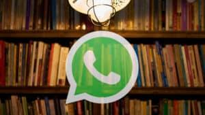 come salvare chat WhatsApp