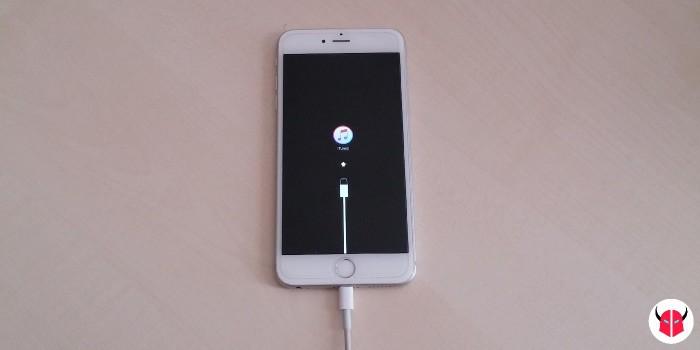 ripristino iPhone bloccato sulla mela modalità DFU logo iTunes