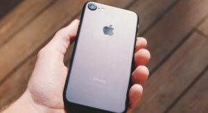 Come spegnere torcia iPhone
