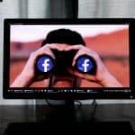 come non farsi vedere online su Facebook