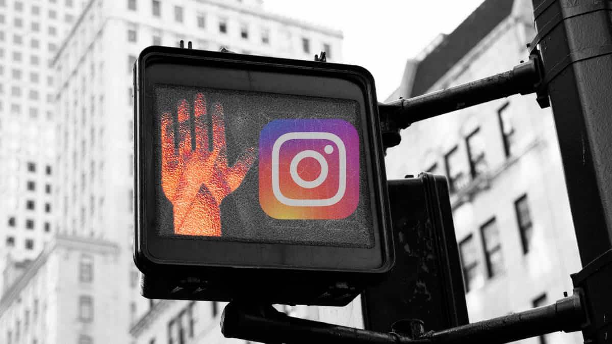 Instagram in stato di down esempio astratto semaforo rosso