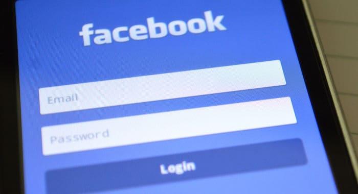 come eliminare commenti Facebook