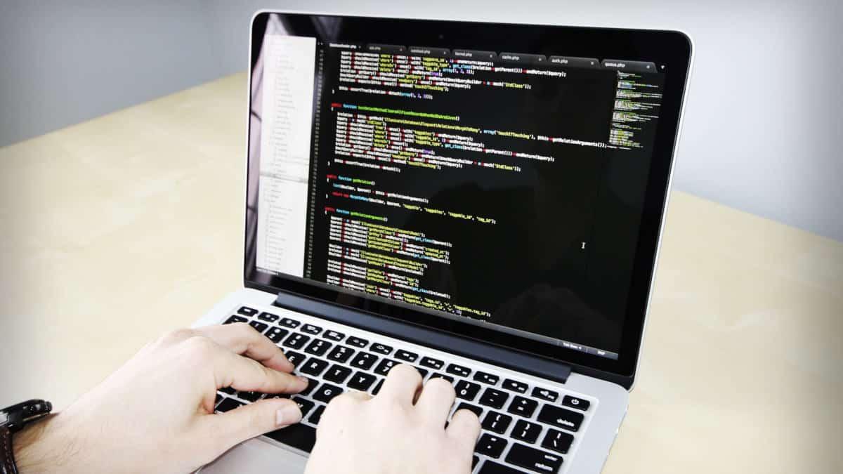 come creare un bot Telegram programmazione