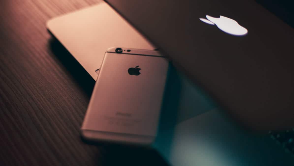 come salvare la rubrica di iPhone