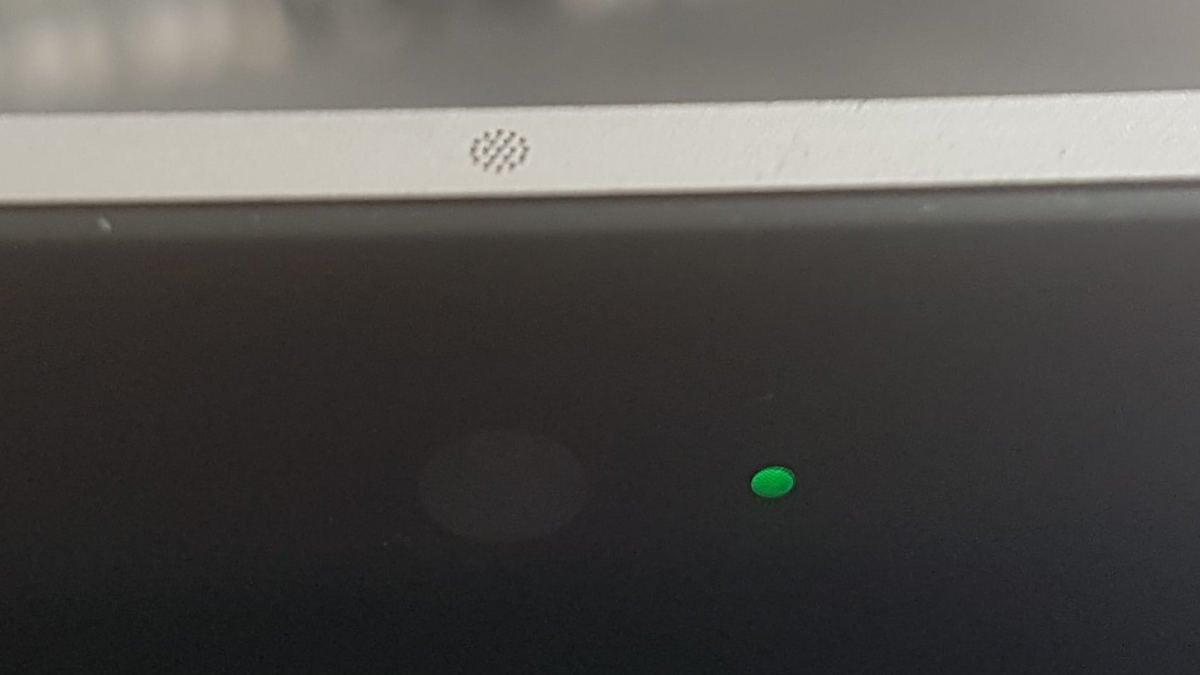 come attivare la webcam su PC colore LED webcam integrata