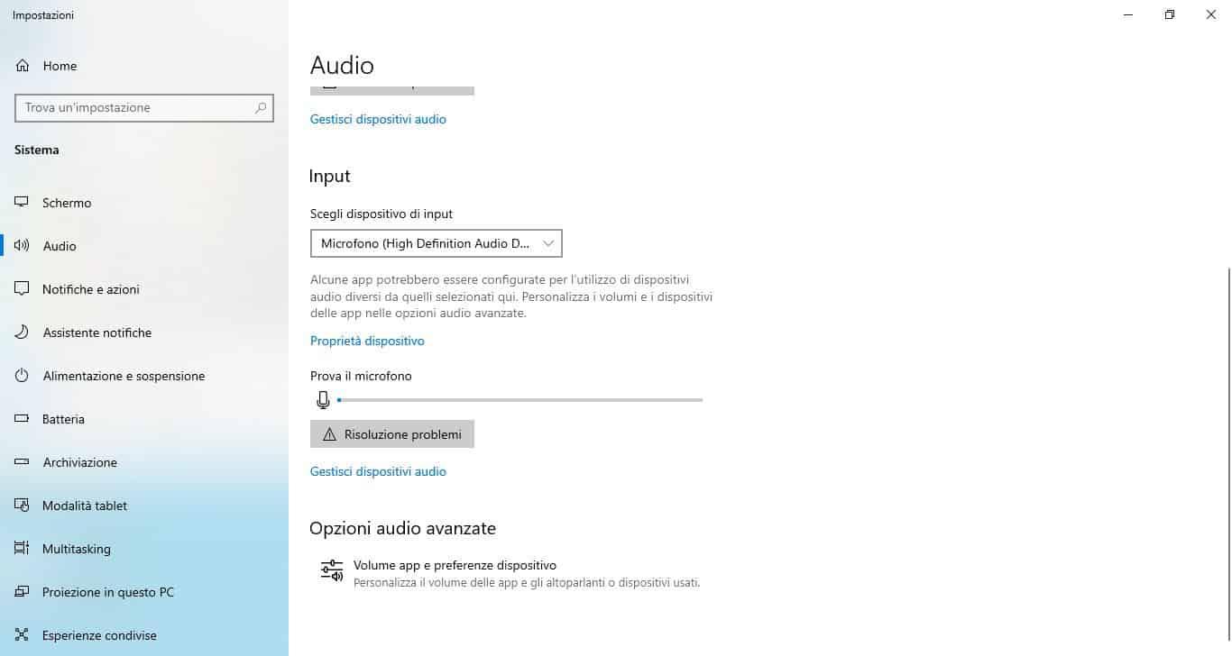 come attivare la webcam su PC microfono