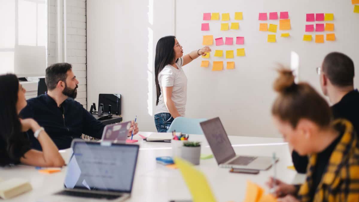 come lavorare da casa concetto di comunicazione e team
