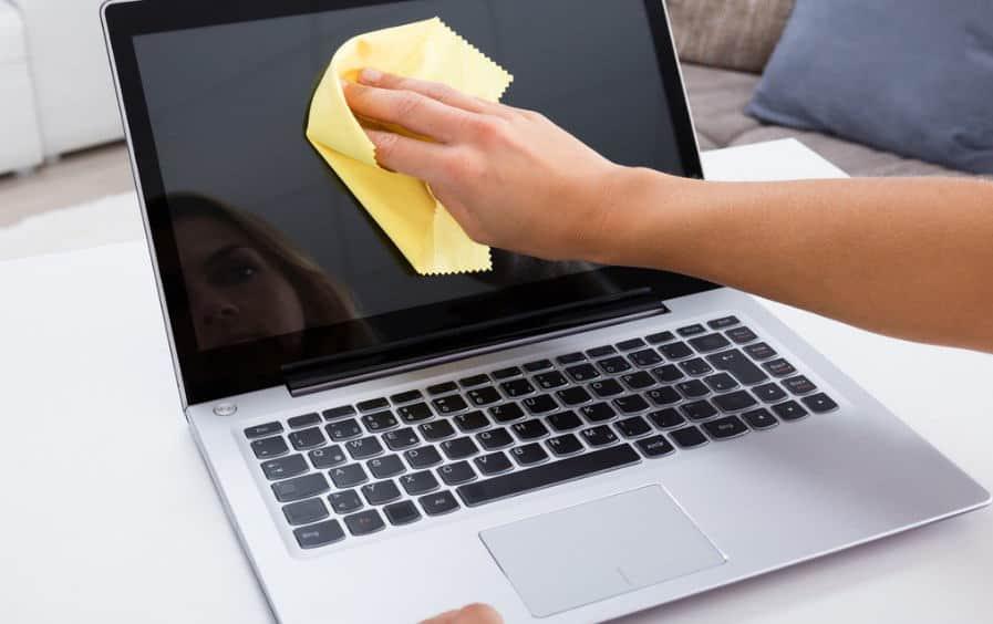 come disinfettare un Mac pulizia schermo