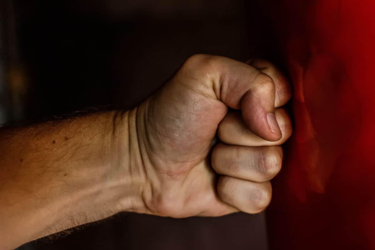 come gestire l'arrabbiatura concetto di rabbia esplosiva