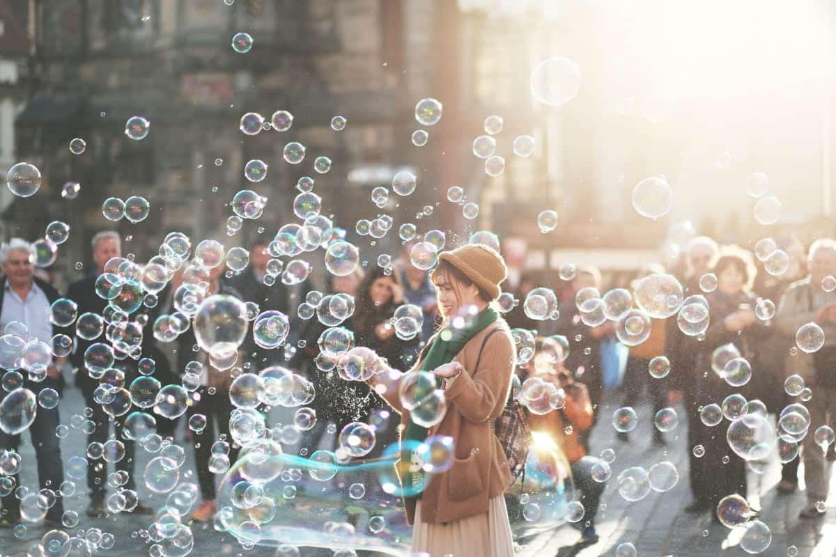 come superare le paure donna bolle di sapone ricerca felicità