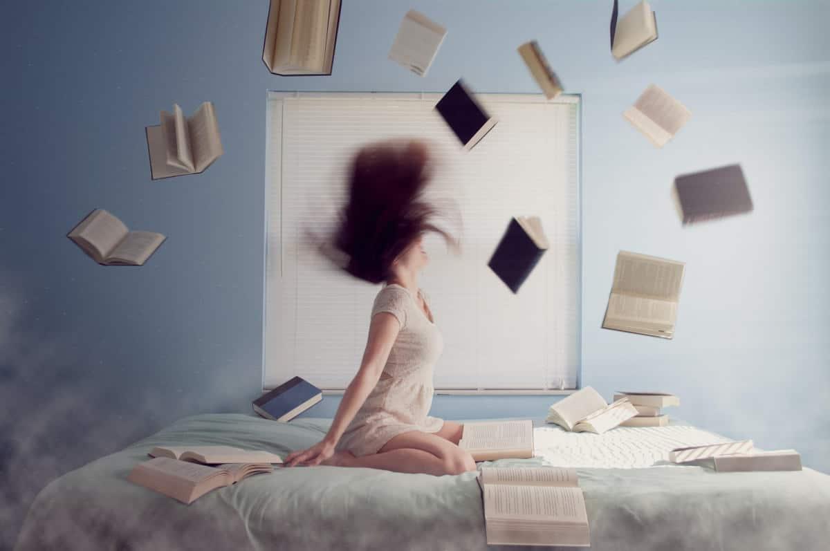 gestire lo stress da studio libri che volano
