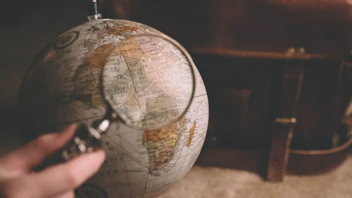 organizzare un viaggio da soli concetto studio itinerario
