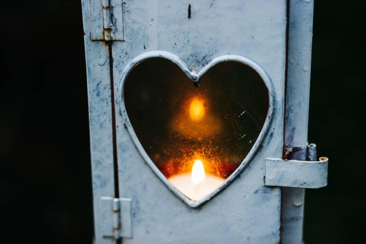 superare la fine di una relazione concetto di sentimento che svanisce