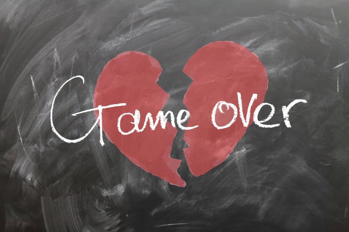 superare la fine di una relazione cuore spezzato