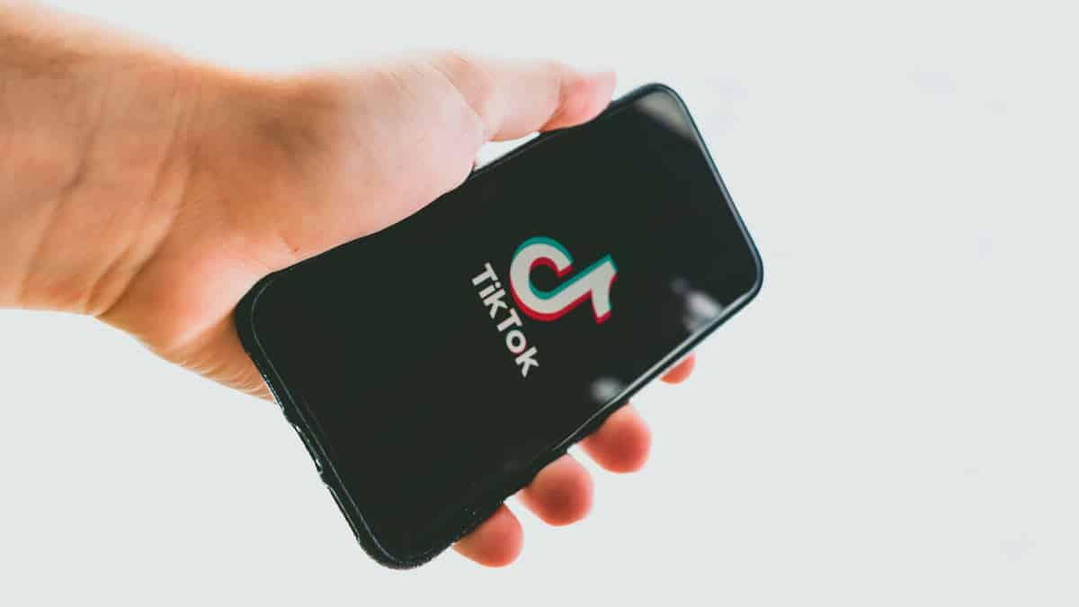 unire i video su TikTok