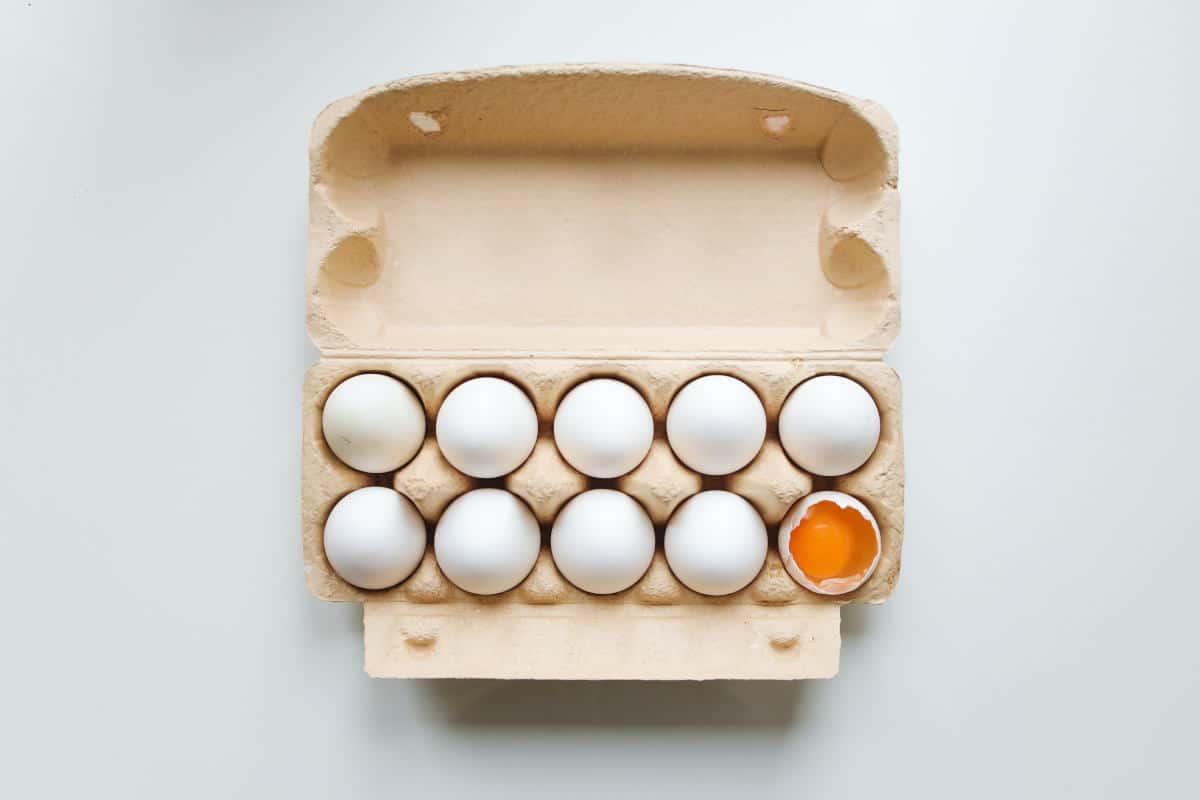 avere autostima uovo rotto concetto imperfezione