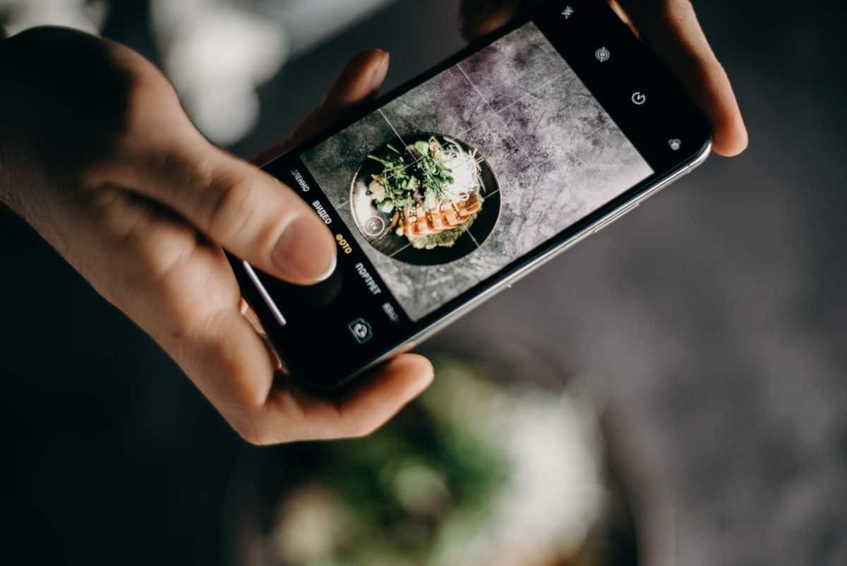 fotografare cibo con la fotocamera dello smartphone