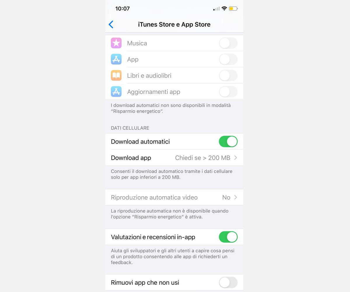aggiornamento app Instagram download automatici App Store iOS
