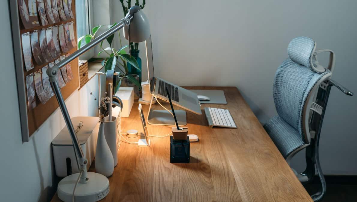 postazioni di lavoro ergonomica per postura corretta