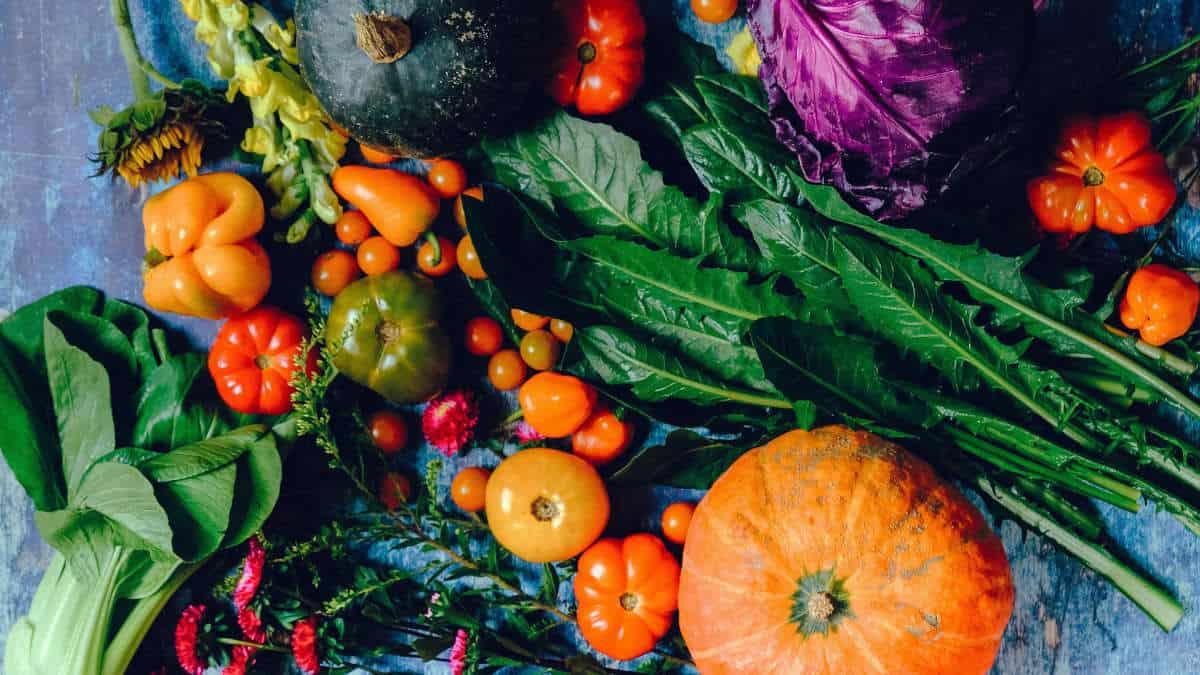 alimenti per energia frutta e verdura di stagione