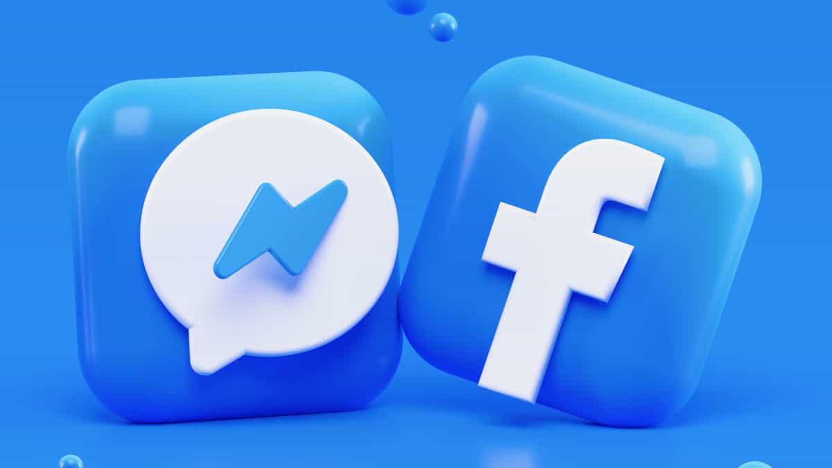 icone di Messenger e Facebook stilizzate sinonimo di Dating