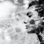 donna che respira rilassata al sole training autogeno