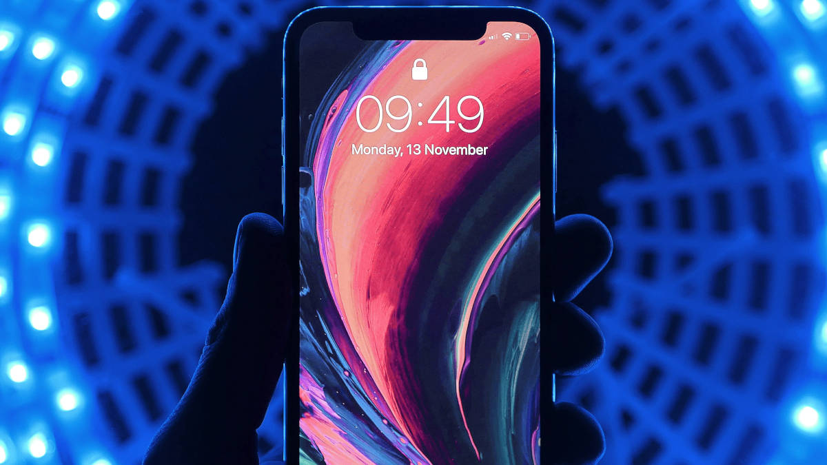 iPhone con schermo bloccato spazio quasi esaurito